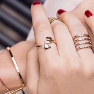 Jewelry - Gold Arrow Ring NWOT
